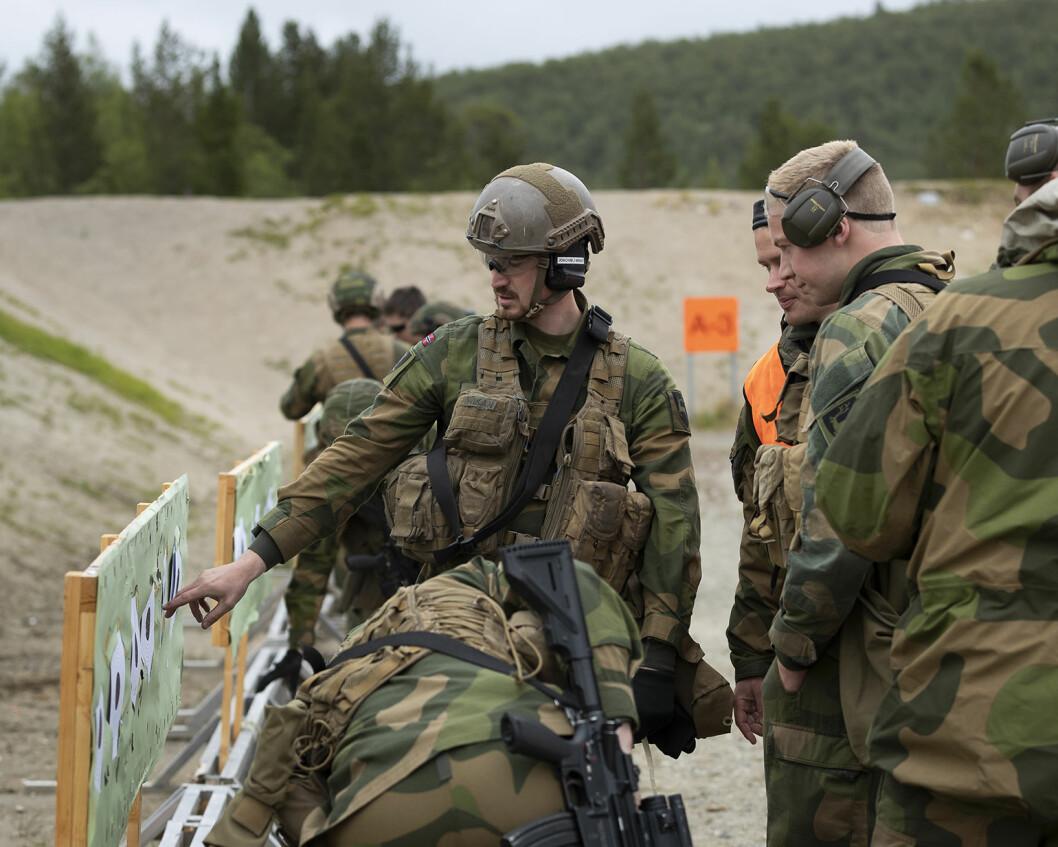 – Vi må lytte til dem som jobber i Forsvaret