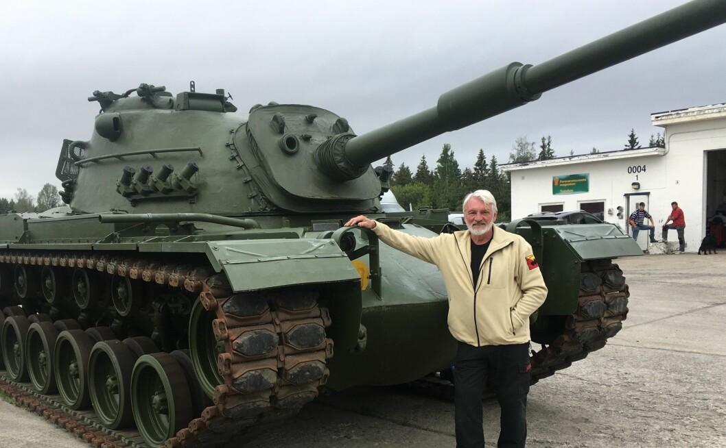 PANSERFEST: Torgeir Løvold og flere andre inviterer til jubileum på Trandum i helga, når Panserkavaleriet feirer 75 år. Foto: Privat\n\n