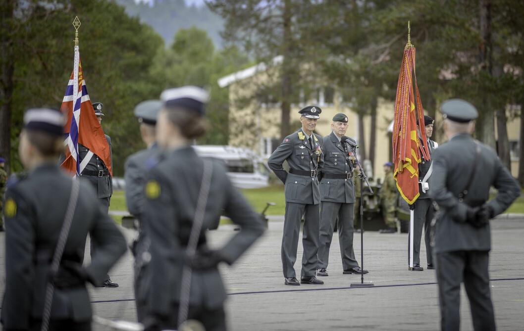 NY SJEF: Under seremonien på Bardufoss ble Eirik Kristoffersen innsatt som sjef for Hæren. Foto: Jonny Karlsen
