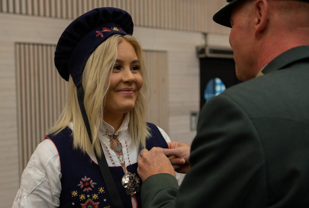 Medaljer: Under en seremoni på Haakonsvern fikk 105 medalje for tjeneste i operasjonen Sea Guardian (Alle foto: Daniel Netland/Forsvaret).