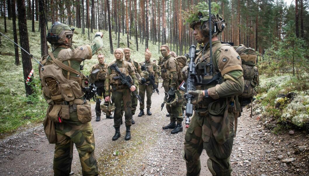 Regjeringen foreslår ti nye stillinger til Hæren i 2021. Arbeiderpartiet vil ha 100.