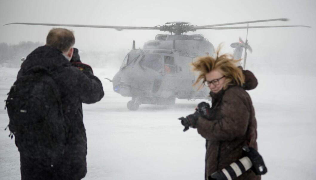 LEIE: Regjeringen vil leie helikoptre fordi NH90 ikke flyr nok. Her ser vi et av NH90-helikopteret lande på Kjeller.