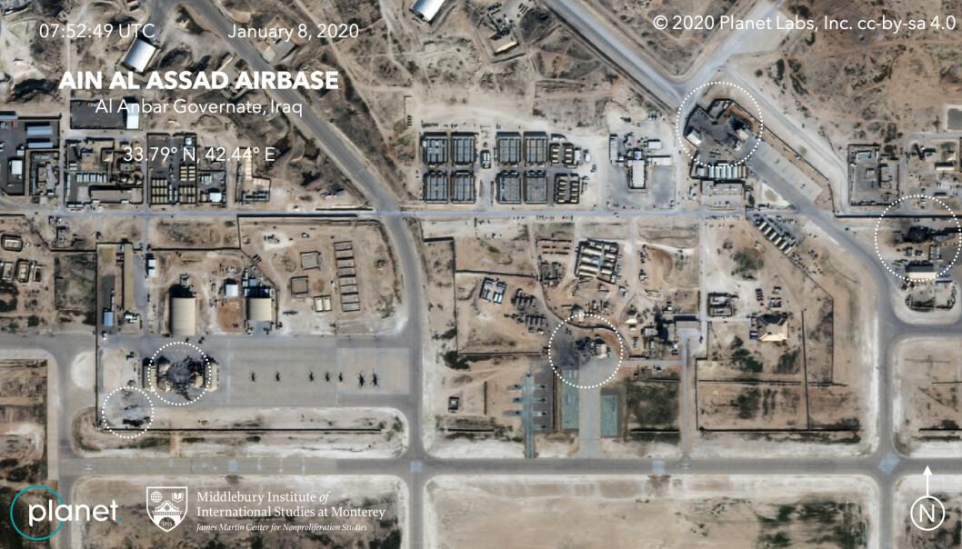 ANGREP: Satellittbildet er tatt 8. januar etter at flere raketter hadde slått ned på basen Ain al-Assad i Irak. Foto: Planet/Handout via REUTERS)