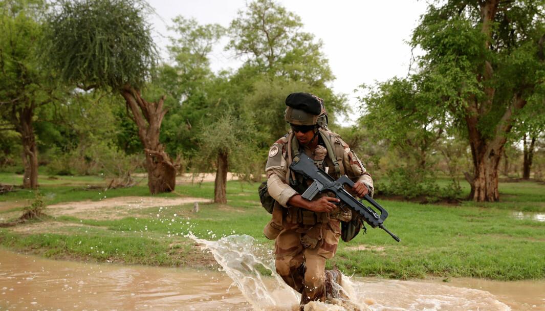 Fransk soldat som deltar i Operasjon Barkhane.
