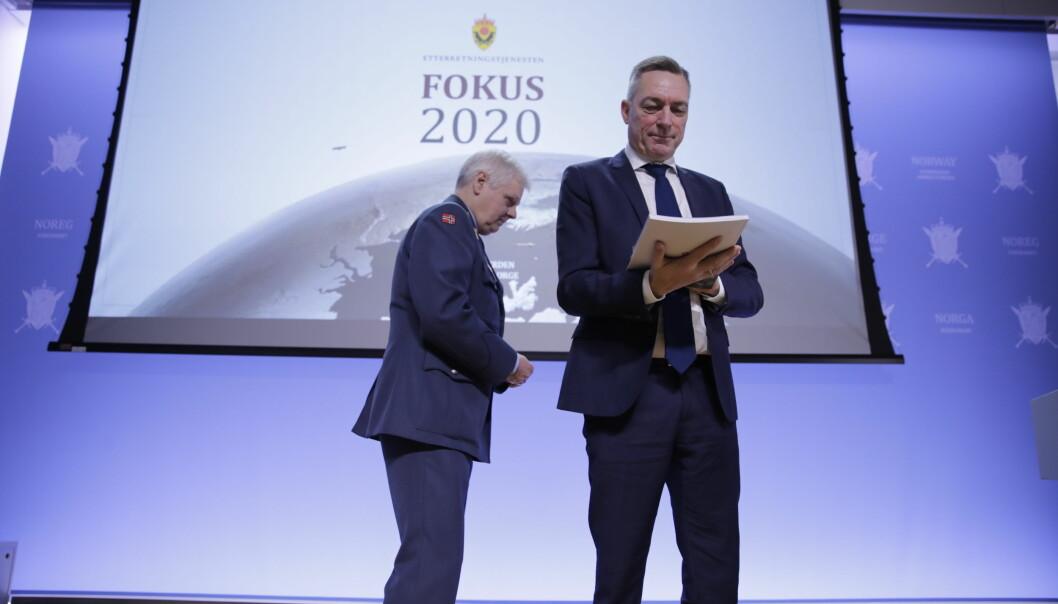 Forsvarsminister Frank Bakke-Jensen mottok E-tjenestens åpne trusselrapport i februar 2020.