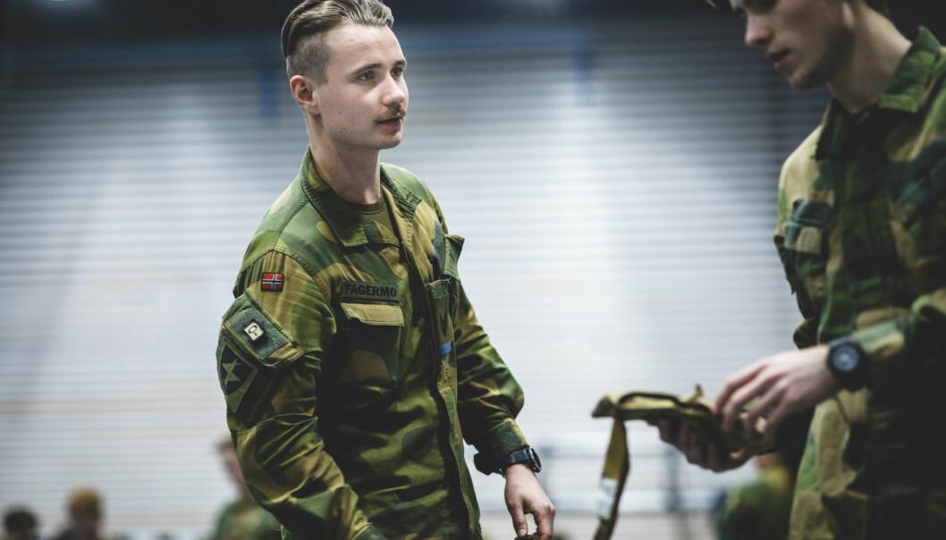 TILLITSKULTUR: Sersjant og lagfører Tord Fagermo (24) har befalsskole bak seg. Han mener man må bygge en kultur der ledere og vernepliktige soldater er ærlige med hverandre.