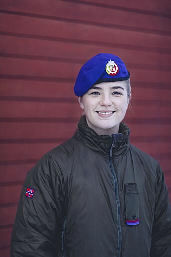 Troppsjef Karoline Mjelle Rønning (25) mener at små forskjeller i alder kan være en fordel fordi det kan senke terskelen for å oppsøke henne med utfordringer