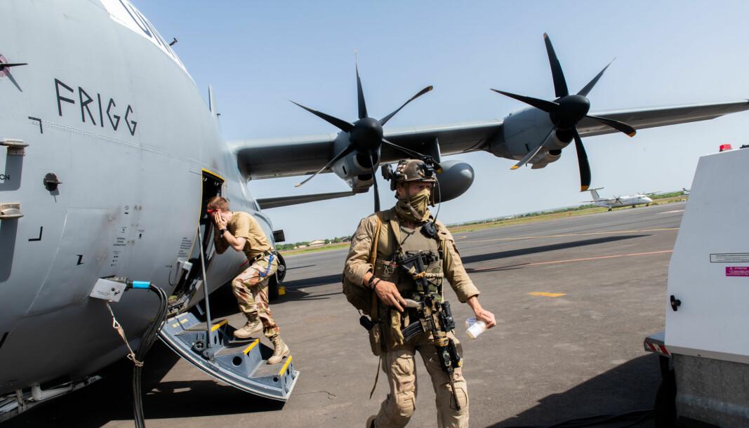 Det norske transportflyet Herkules C-130J på flyplassen i Bamako, Mali i juni 2019.