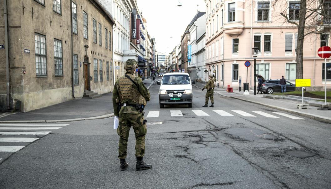 TILLIT: Hvis Forsvaret skulle bistå under et portforbud, ville det svekke tilliten i befolkningen, mener Stina Hassel i NTL. Her ser vi soldater under «Øvelse hovedstad».