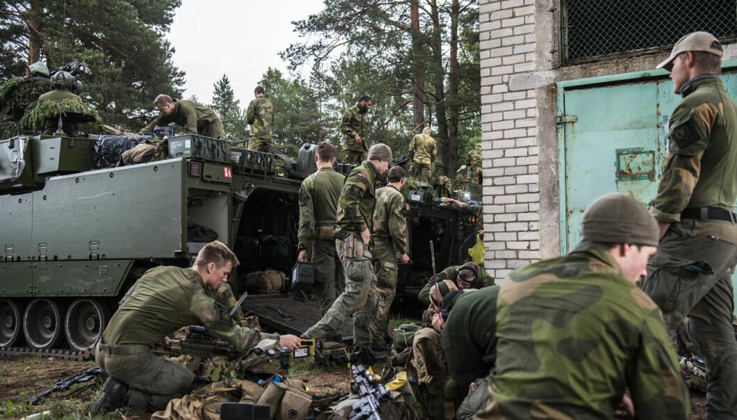 BRUDD: Vi bryter smittevernsregler når vi sender soldater til utlandet, skriver Edith Alnes. Heer ser vi soldater fra Telemark bataljon fra et tidligere Nato-oppdrag i Litauen.