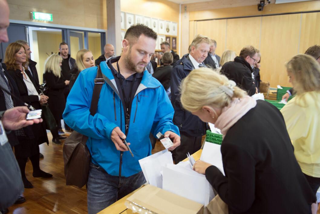 Strammere rutiner på Ørland hovedflystasjon skaper reaksjoner. Forsvarsbygg viser til sikkerhetsloven.