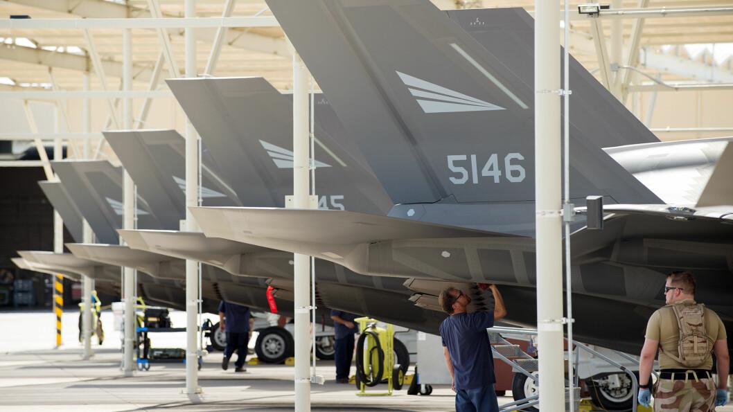 ERSTATNING: Innenfor en 30-årsperiode kan Norge måtte betale opptil tre milliarder kroner for fly som skal erstatte F-35 som har styrtet. Foto: CHRISTIAN NØRSTEBØ\n