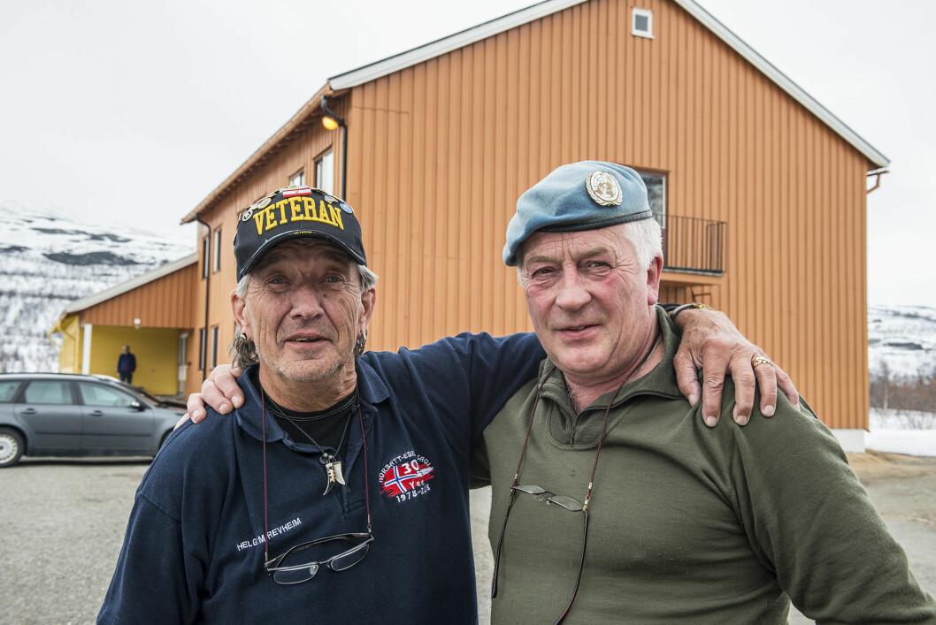 Generalkorporal Helge Revheim (t.v.) og Leif Hemmingsen kan i år feire sanitetstroppens 40-årsjubileum. Foto: Torbjørn Løvland