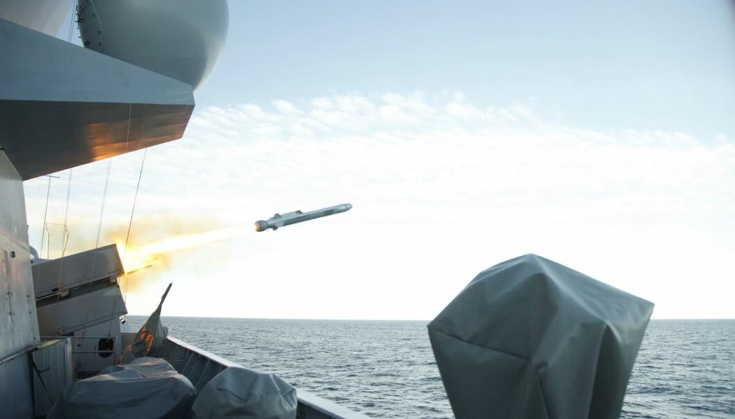 NORSK TEKNOLOGI: NSM-missilet fra Kongsberg Gruppen under en testskyting i 2012.