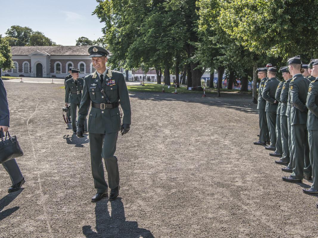 Påtroppende forsvarssjef Eirik Kristoffersen tok over kommandoen fra Haakon Bruun-Hanssen under en seremoni på Akershus Festning.