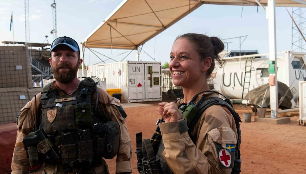 Lars og Ulrika har nettopp kommet tilbake i leir etter noen netter i ørkenen.