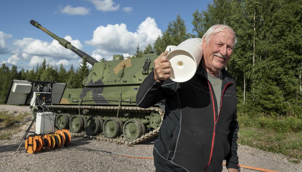 Terje Marka har utsatt pensjonen for å være med på langdistanseskyting med K9-artilleriet.