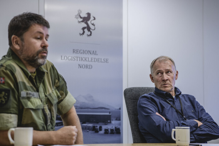 Stabssjef Ole-Henry Finvåg og førstekonsulent Halvor Berntsen ved FLO Regional logistikkledelse Nord.