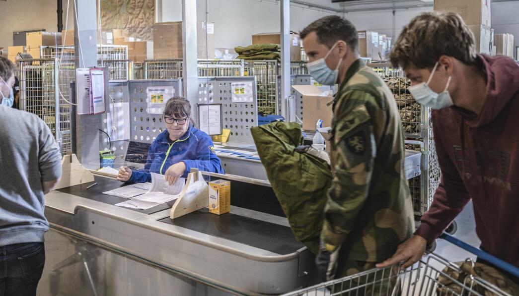 SMITTEVERN: Noen forsvarsgrener var svært tidlig ute, og stengte ned nesten to uker før resten av Norge gjorde det. Her ser vi innrykk med koronatiltak i Skjold leir.