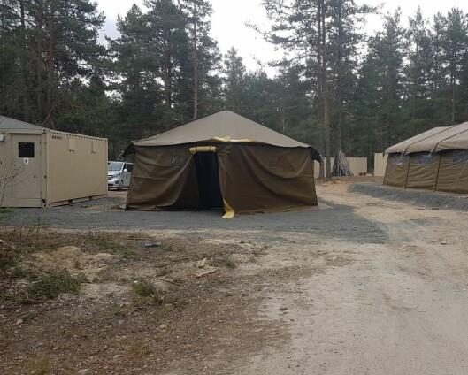 Kalte inn for mange soldater – nå bor flere titalls i telt