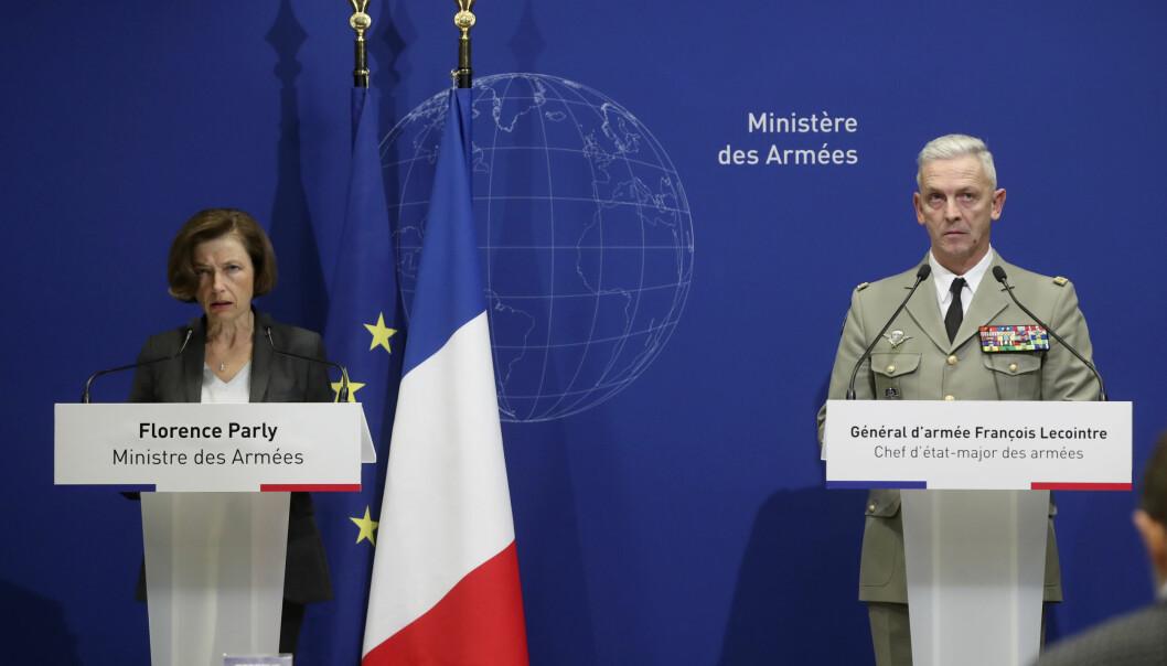 Frankrikes forsvarsminister Florence Parly (t.v.) og den franske forsvarssjefen, general Francois Lecointre fotografert på en pressekonferanse ved en tidligere anledning.