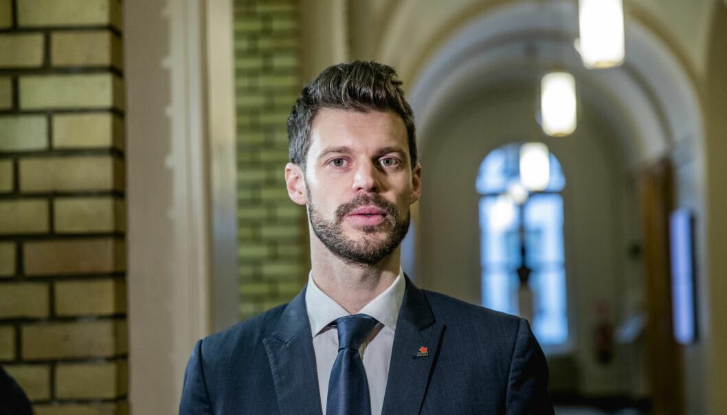SVAR: Det hjelper lite å involvere stadig flere departementer hvis regjeringen ikke en gang gjennomfører det som Stortinget har vedtatt, mener Bjørnar Moxnes i Rødt.