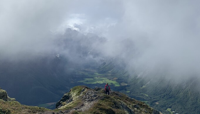 Det er er en flott tur over Romsdalseggen som venter veteranene.