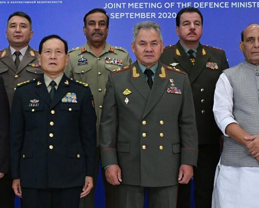 Forsvarsministre fra India og Kina diskuterte anspent grensekonflikt