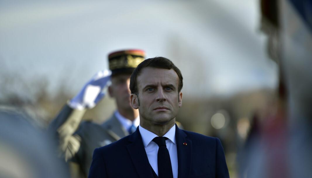 TAP: Frankrikes president Emmanuel Macron under en seremoni for å hedre franske soldater som døde i Mali tidligere i år.
