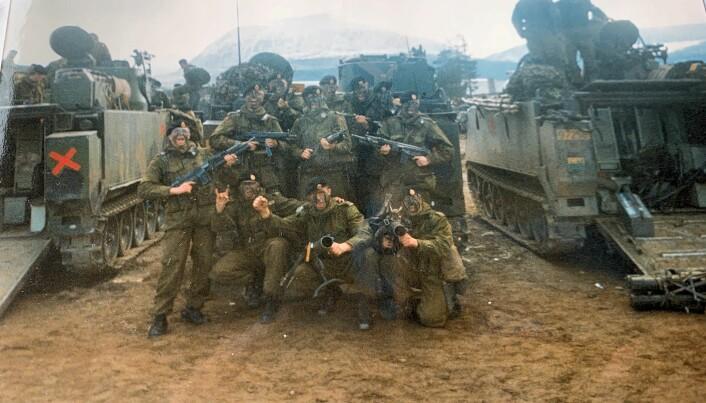 Et av bildene Lars Lervik har funnet i garasjen fra den perioden, på oppfordring fra Forsvarets forum.