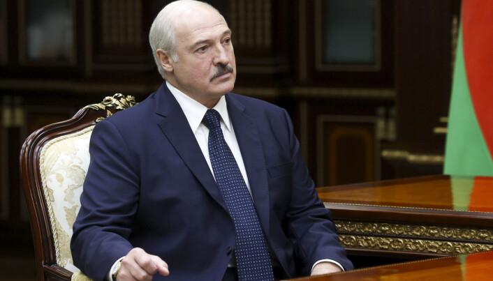 Hviterusslands president Aleksandr Lukasjenko har styrt landet med hard hånd siden 1994, men aldri opplevd så omfattende demonstrasjoner mot sitt regime som nå.