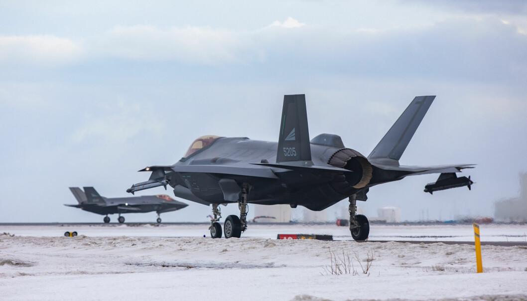Norske F-35 på Nato-oppdraget Iceland Air Policing i mars i år.