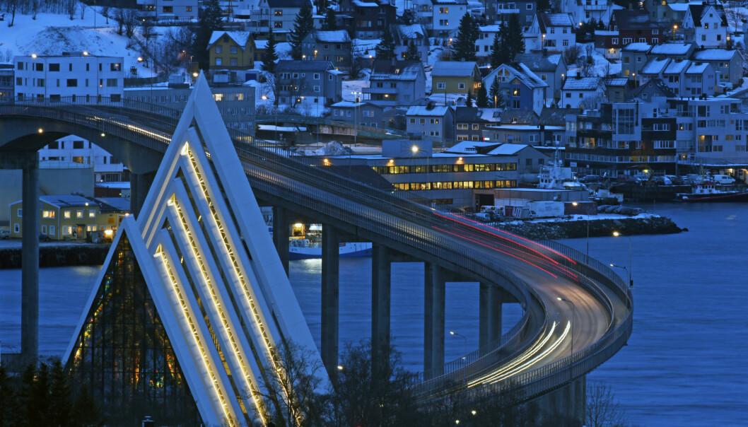 Tromsø kommune ønsker ikke at atomdrevne ubåter skal legge til ved kommunal kai. Bildet viser Ishavskatedralen i byen.