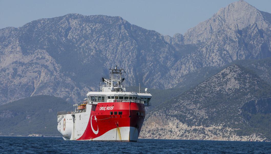 SKAPTE BØLGER: Det tyrkiske fartøyet Oruc Reis. Her ankret opp utenfor kysten av Antalya i Middelhavet.