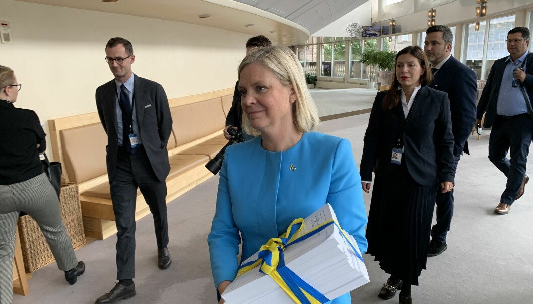 Finansminister Magdalena Andersson hadde med seg fem ekstra milliarder til det svenske forsvaret da hun i dag kom til Riksdagen med statsbudsjettet for 2021.