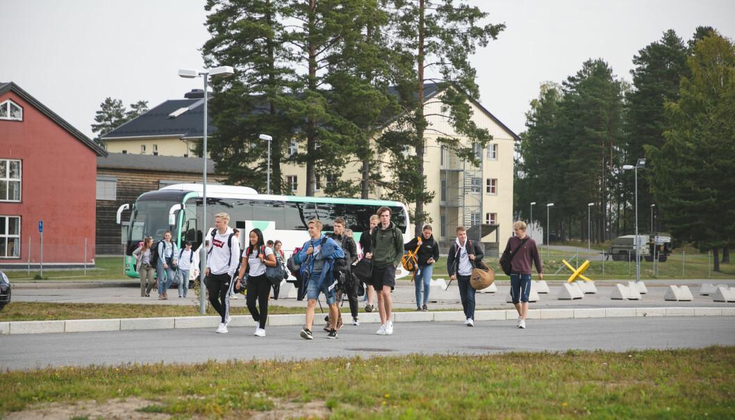 Det må være klart at man kan gjennomføre førstegangstjeneste før man rykker inn, skriver Aksel Grunnvåg. Her ser vi rekrutter ved innrykk i Hæren.