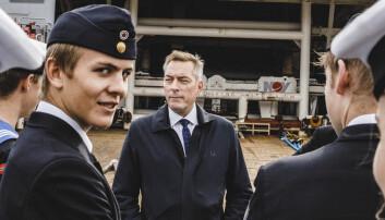Forsvarsministeren besøkte Kystvaktens nye slepebåt
