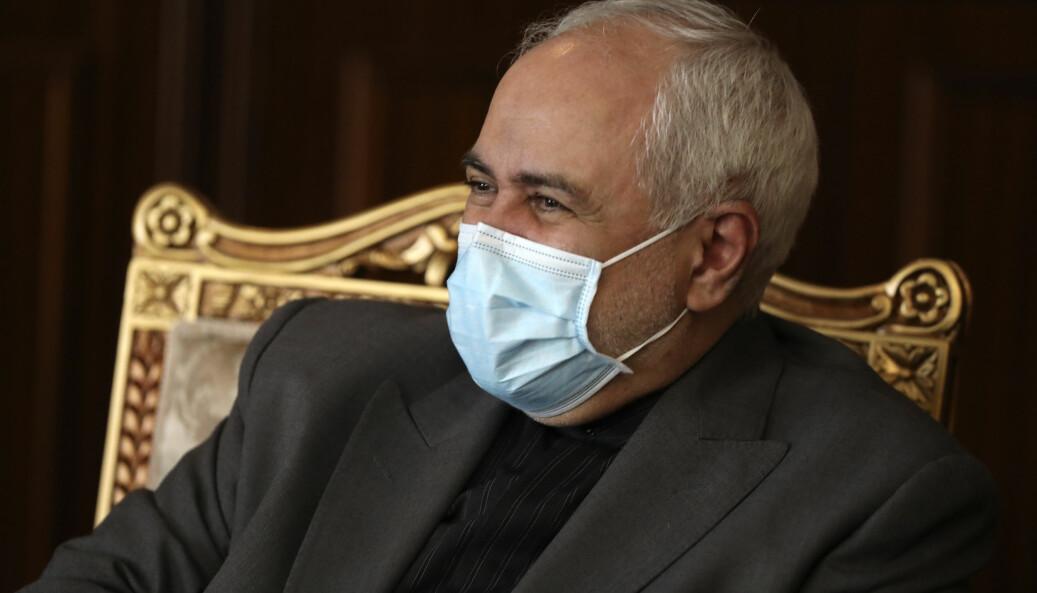 Irans utenriksminister Mohammad Javad Zarif kan regne med et tettere militært samarbeid med Russland samtidig som USA truer med reaksjoner mot land som samarbeider med regimet.