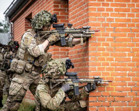 Den danske Hæren har «ligget litt i dvale»- nå øver 2500 soldater