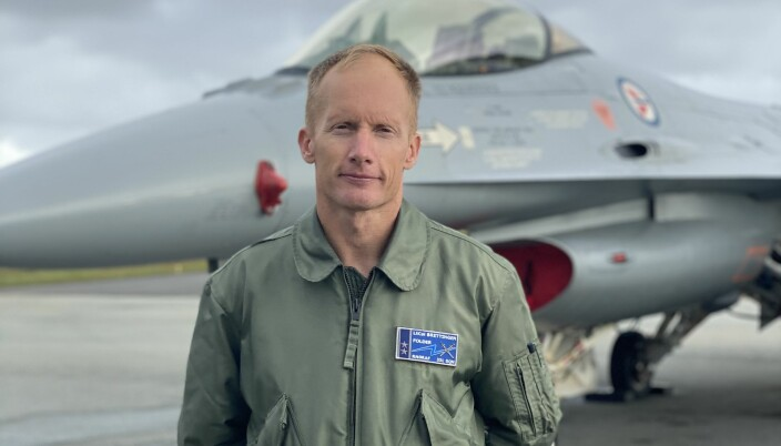 Erik Brettingen er sjef på 331 skvadron i Bodø. 46-åringen håper å kunne fly F-35 når F-16 utfases.