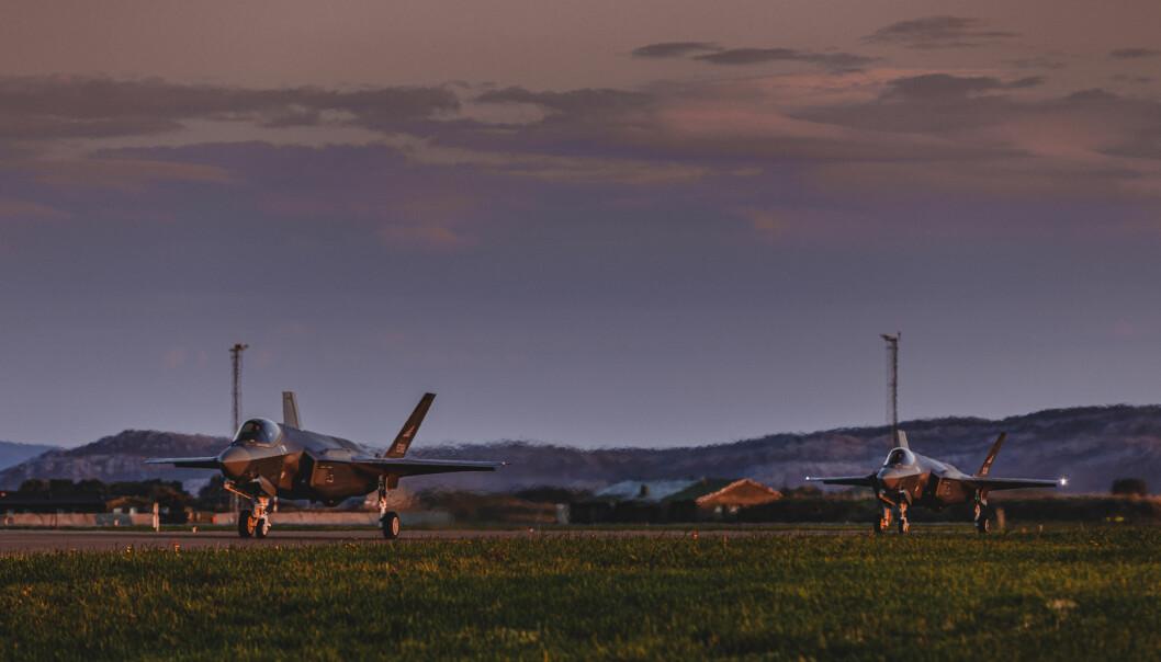 Mens stadig flere F-35 ankommer Ørland, svikter pendlertilbudet for de som jobber på Ørland flystasjon, skriver ordfører Tom Myrvold.