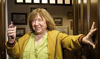 Nobelprisforfatter kjent for kvinners krigshistorier forlater Hviterussland