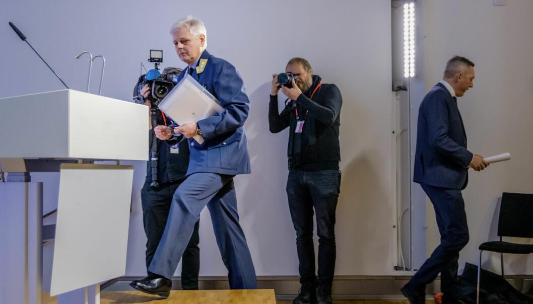 Generalløytnant Morten Haga Lunde og forsvarsminister Frank Bakke-Jensen legger frem Etterretningstjenestens åpne vurdering av aktuelle sikkerhetsutfordringer, Fokus 2020.