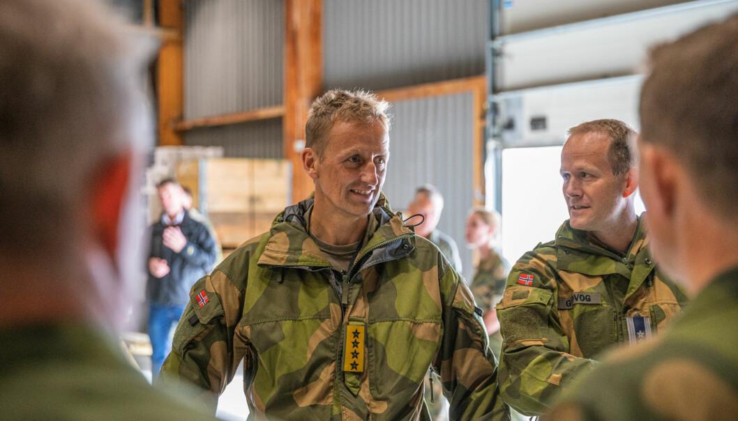 – Styrkingen av Forsvaret fortsetter, sier Eirik Kristoffersen. Her fra et tidligere besøk på Evenes.