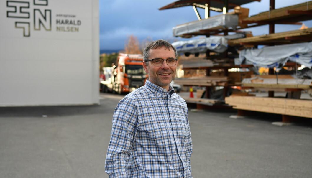 HØY AKTIVITET: Daglig leder Halvdan Heggheim i Entreprenør Harald Nilsen AS i Alta ser frem til at Forsvaret lyser ut flere byggeprosjekter på anbud.