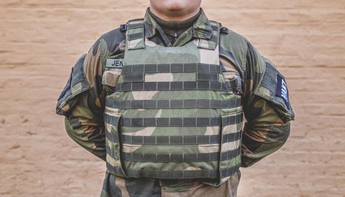 M07-vestene må sjekkes regelmessig for skader som reduserer beskyttelsesevnen.