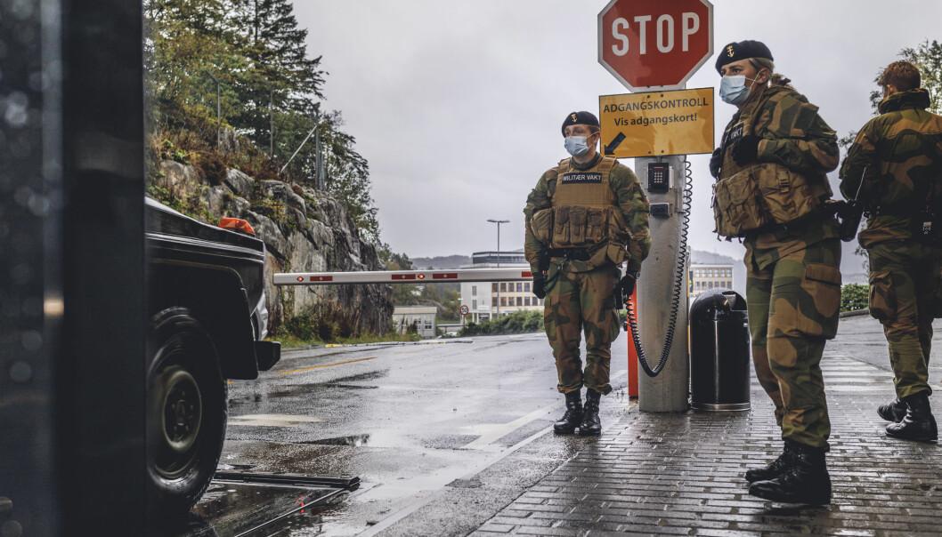 SMITTE: Syv vernepliktige er smittet med korona på Haakonsvern.