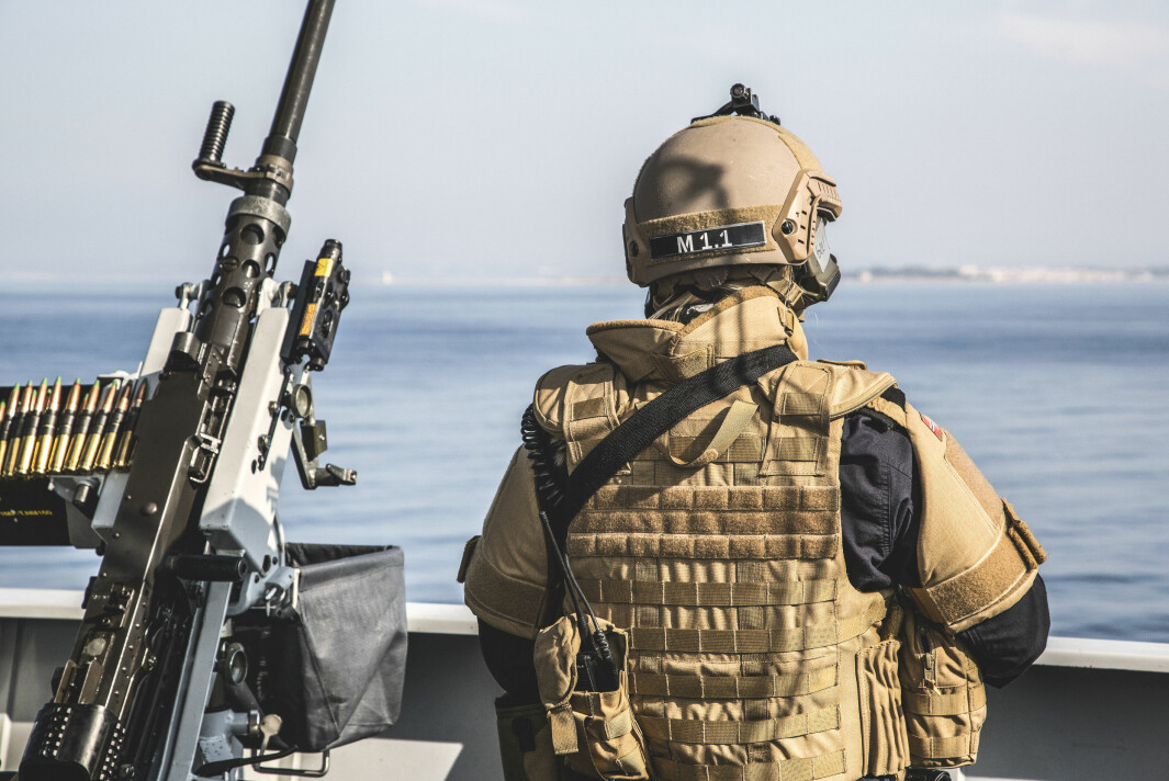 Fregatten KNM Helge Ingstad – og senere kystvaktskipet KV Andenes – bidro med militær beskyttelse og eskorte av sivile lasteskip som fraktet kjemiske våpen ut av Syria.