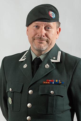 VIL HA RASK AVKLARING: Thomas Norman Hansen, Hærens hovedverneombud, mener det er viktig at personellet har god dekning ved uhell.