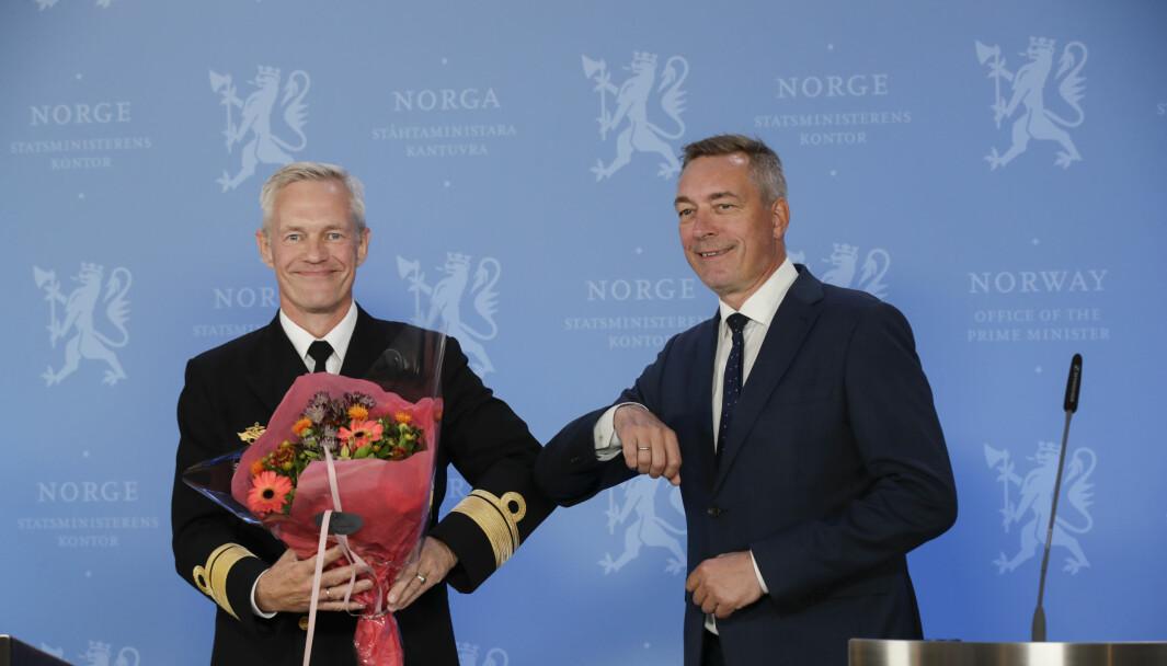Påtroppende etterretningssjef Nils Andreas Stensønes og forsvarsminister Frank Bakke-Jensen da Stensønes ble utnevnt til ny sjef i september.